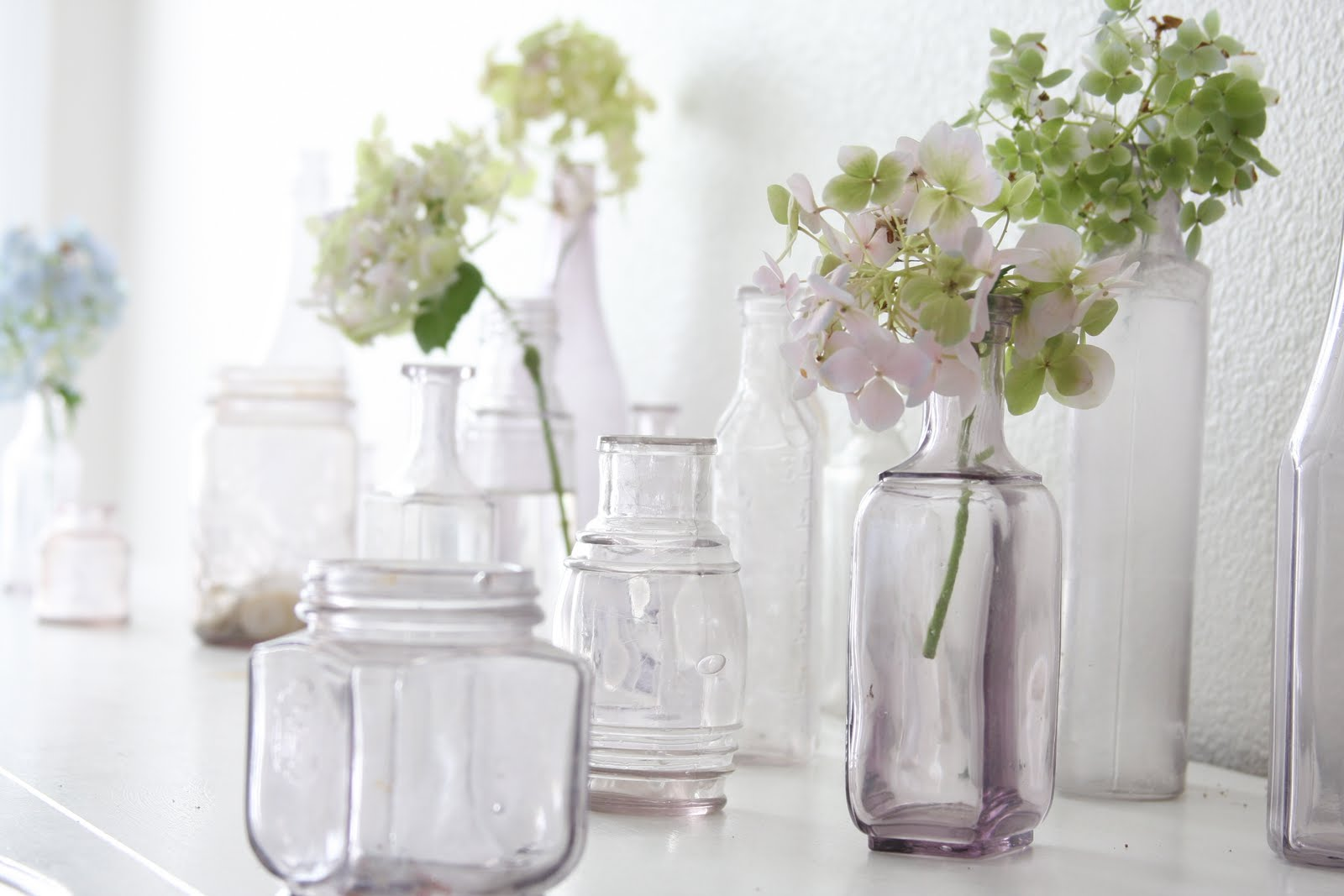 Pretty spaces home decor inspiration page 2 - How to decorate old bottles ...