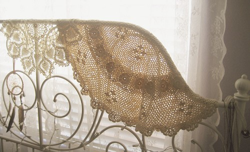 pretty lace curtains, bohemian vintage home decor