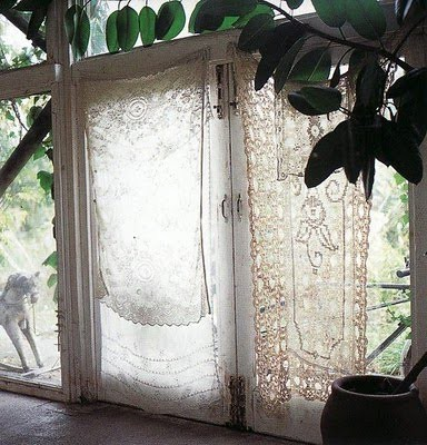 pretty vintage lace curtains, bohemian homes