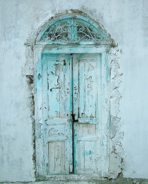 old door, seaside homes, bohemian homes, home decor inspiration, the lane, pretty spaces