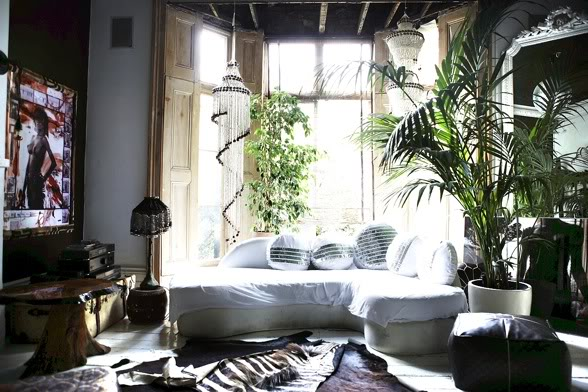 Bohemian home decor pretty spaces for Home decor inspiration